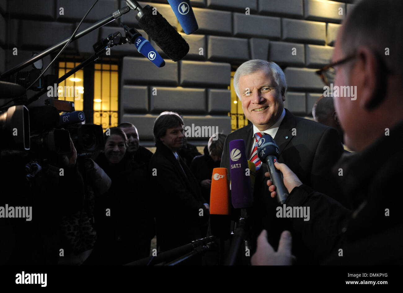 Munich, Germany. 15th Dec, 2013. Head of the CSU and bavarian premier Horst Seehofer gives an interview before the CSU board meeting in Munich, Germany, 15 December 2013. Photo: Andreas Gebert/dpa/Alamy Live News - Stock Image