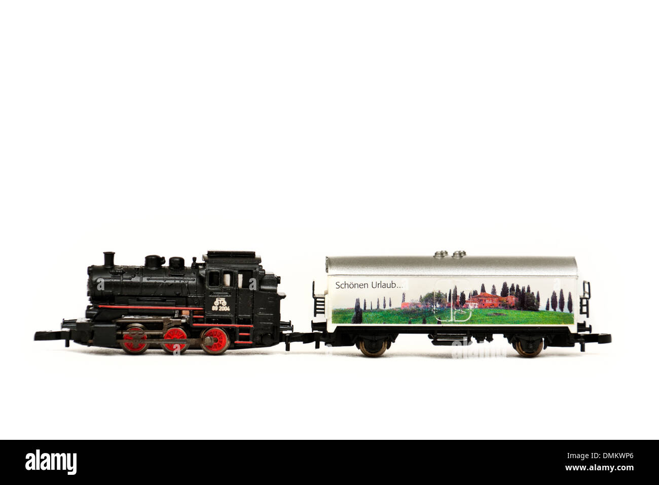 Marklin Z-scale mini-club 81521 Deutsche Bahn Class 89 tank locomotive and refrigerator car (Vacation Starter Set) - Stock Image