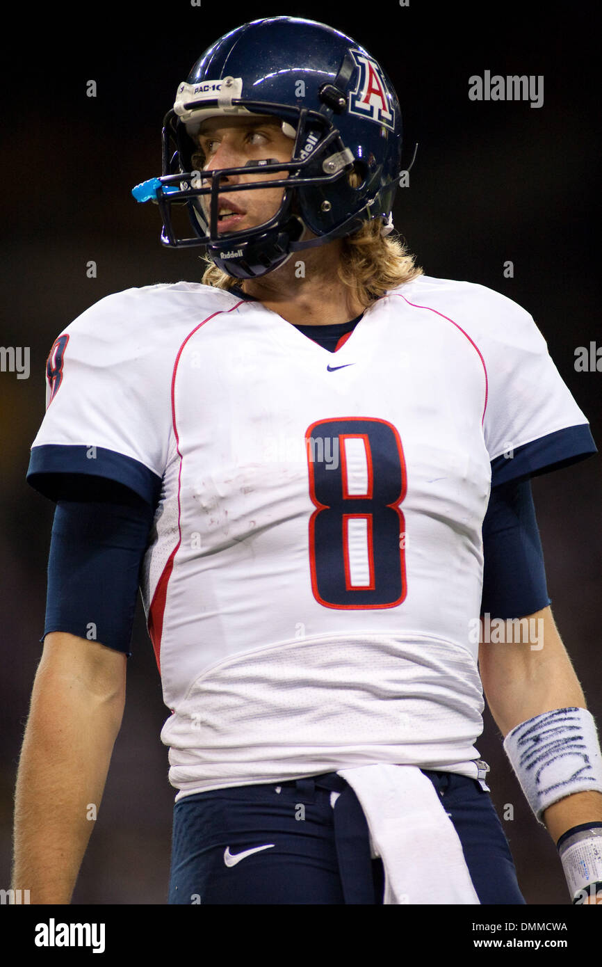 detailed look 6e71b a5ee7 10 October 2009: Arizona's Nick Foles (8) during the second ...