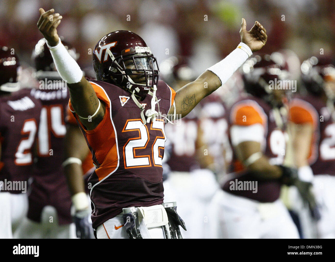 Sep 05, 2009 - Atlanta, Georgia, USA - NCAA Football - Virginia Tech's STEPHAN VIRGIL tries to pump up the crowd before Virginia Tech's game against the University of Alabama in the Georgia Dome (Credit Image: © Josh D. Weiss/ZUMA Press) - Stock Image