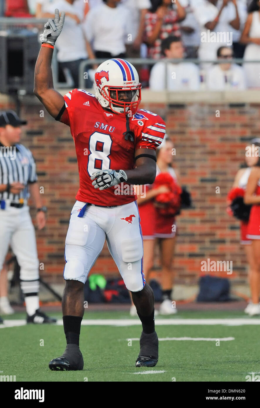 05 SEP 2009:  Stephen F Austin travels to Dallas to face the SMU Ponies in the season kickoff.  With a 4th quarter come back the Ponies win 31-23 over SFA.  SMU's TR #8 Shawnbrey McNeal prepares for the opening kick off against SFA. (Credit Image: © Southcreek Global/ZUMApress.com) - Stock Image