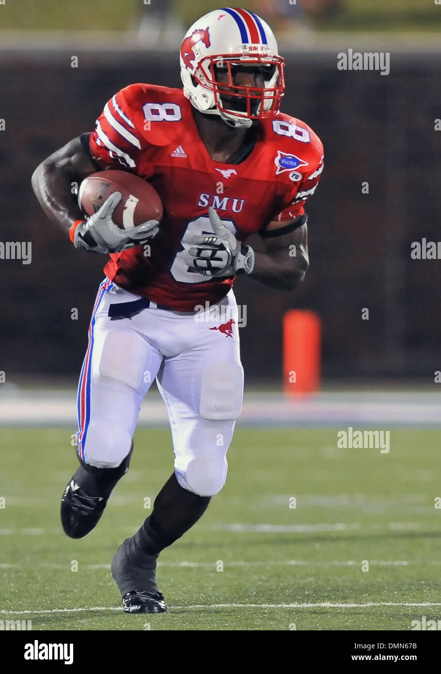 05 SEP 2009:  Stephen F Austin travels to Dallas to face the SMU Ponies in the season kickoff.  With a 4th quarter come back the Ponies win 31-23 over SFA.  SMU RB Shawnbrey McNeal debuts with 158 yard game performance. (Credit Image: © Southcreek Global/ZUMApress.com) - Stock Image