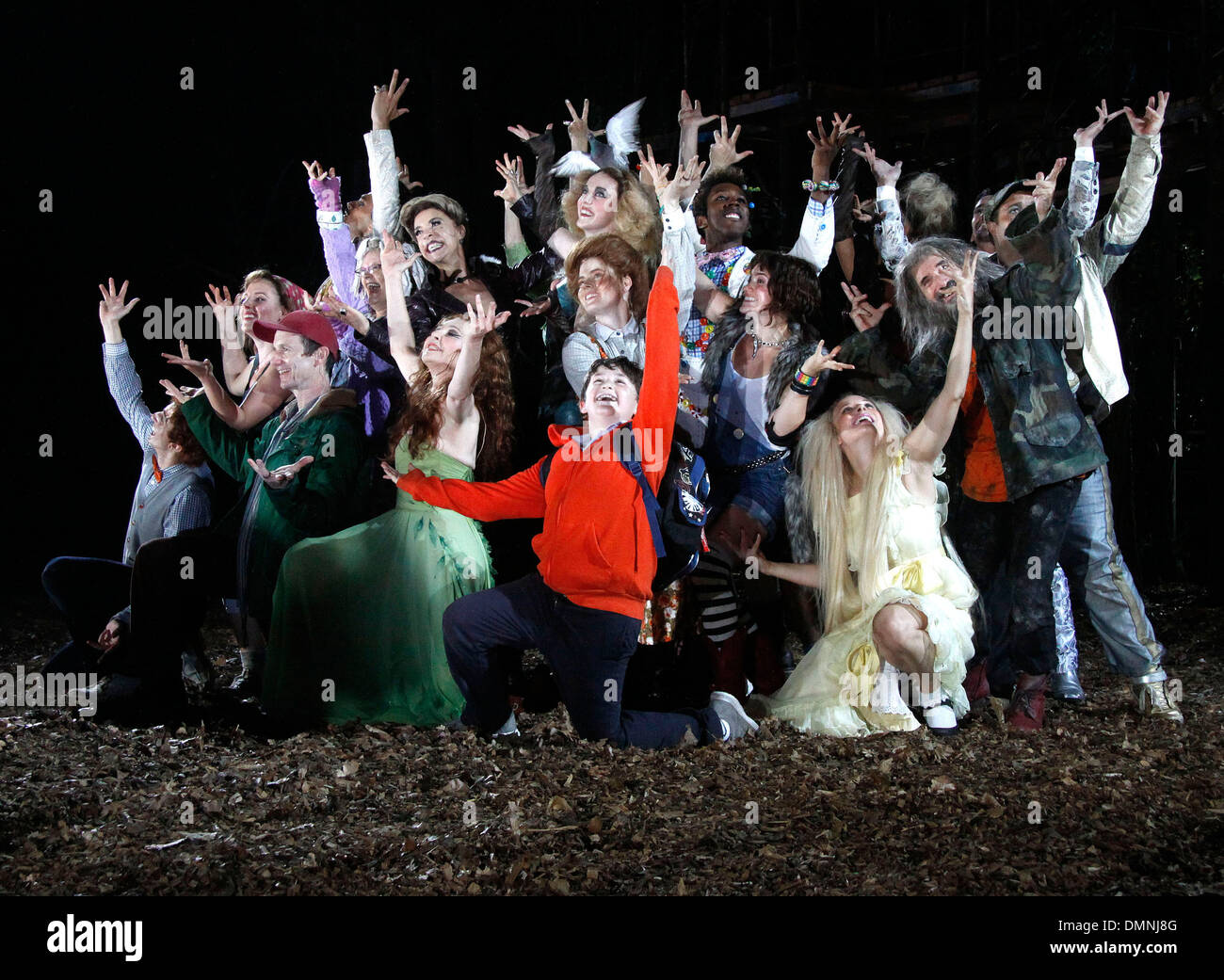 Gideon Glick Jessie Mueller Denis O'Hare Donna Murphy Amy Adams Jack Broderick Chip Zien Opening night curtain call for Public - Stock Image