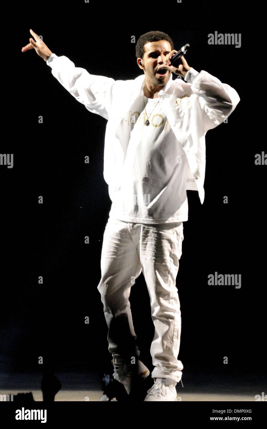bea486a4e Drake performs at Molson Canadian Amphitheatre during 2012 OVO Fest Toronto  Canada - 05.08.12