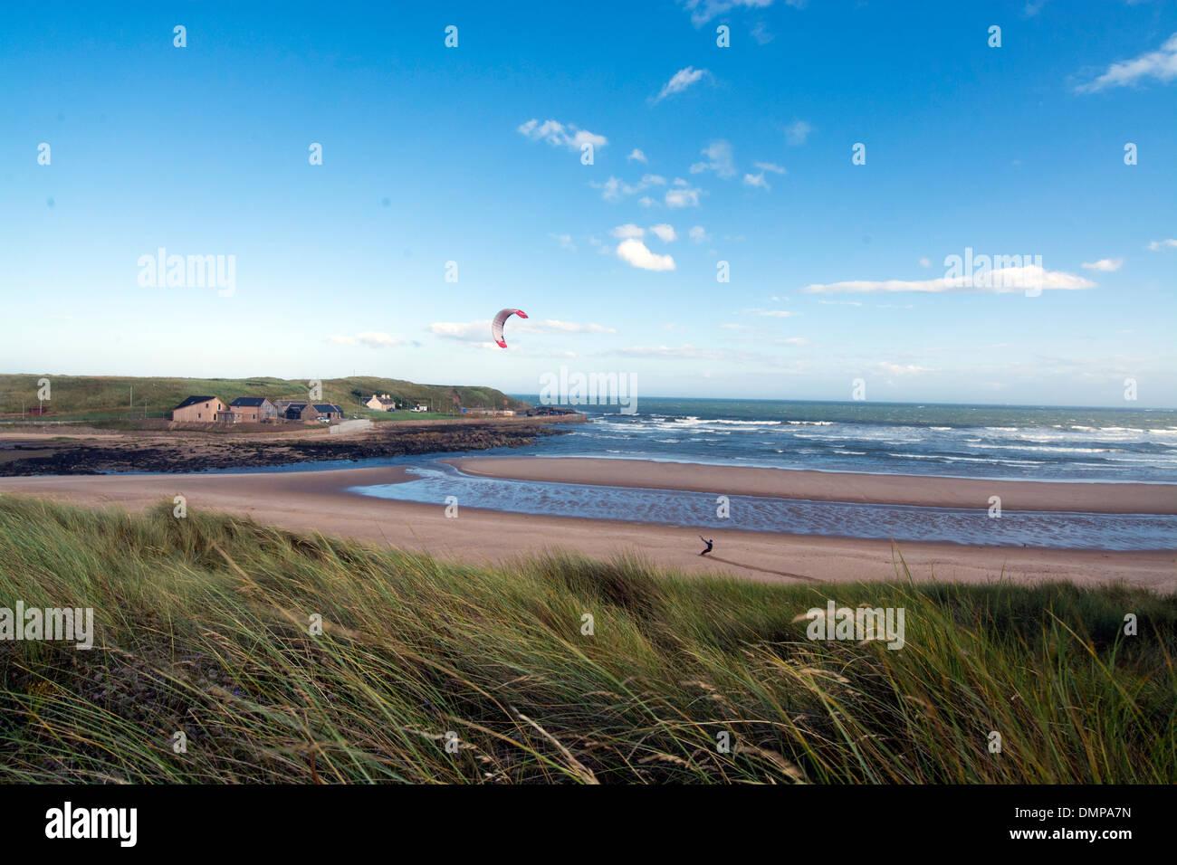 ruden bay  aberdeen sand dunes power kiting - Stock Image