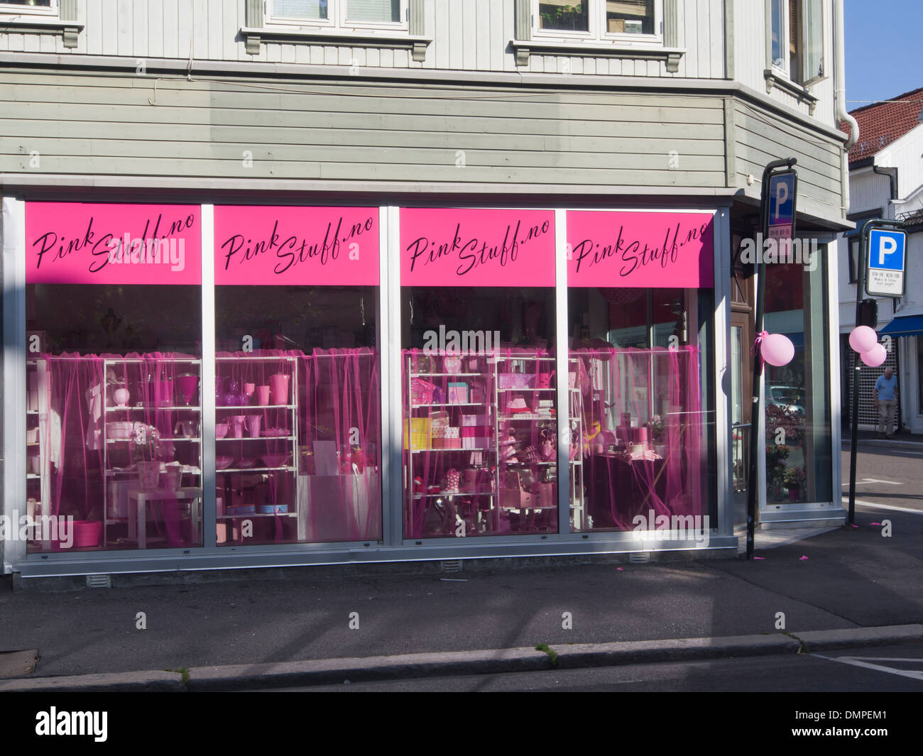 Tønsberg Norway, corner shop in old wooden house selling all things pink, called pink stuff - Stock Image