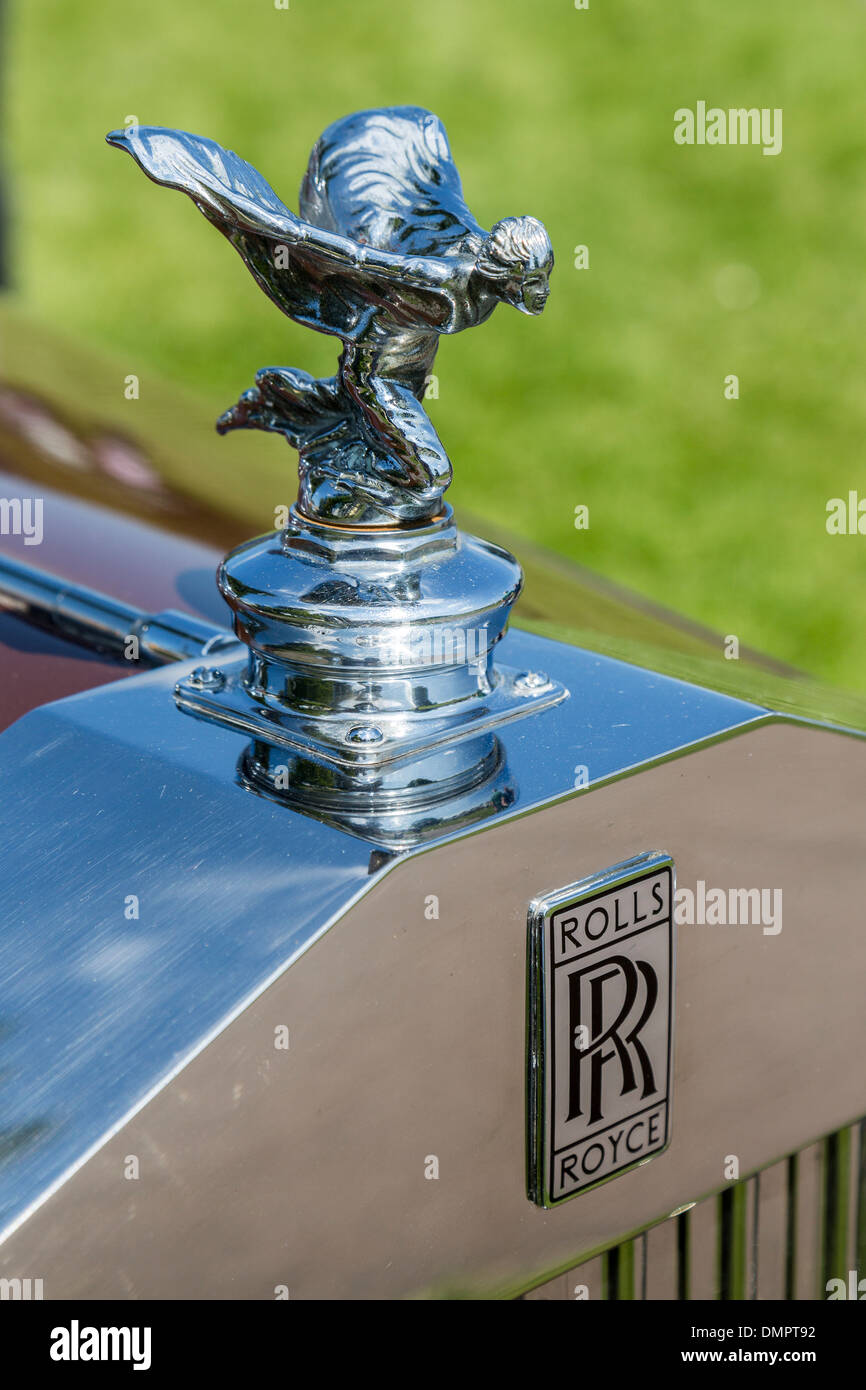 rolls royce logo stock photos & rolls royce logo stock images - alamy