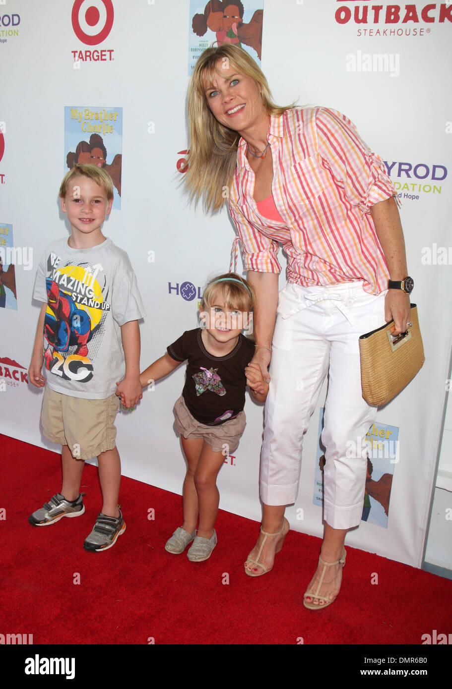 Alison Sweeney Family Pictures alison sweeney at 3rd annual my brother charlie family fun