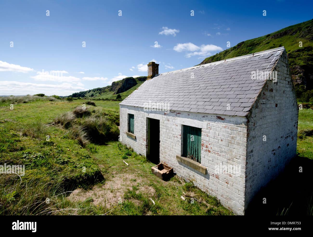 st cyrus fising cottage Derelict Kincardineshire - Stock Image