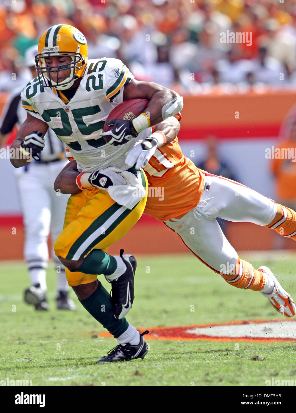 Green Bay Packers RB Ryan Grant (25) is ...