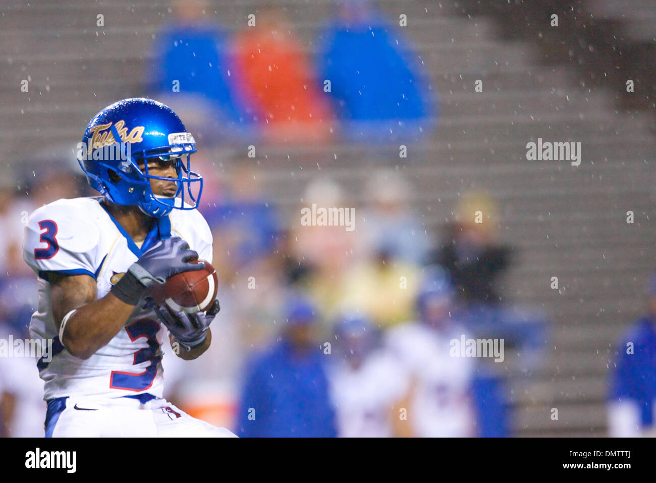 the best attitude ce13d 7b025 Brian Moore (#3) of the Tulsa Golden Hurricane catches a ...