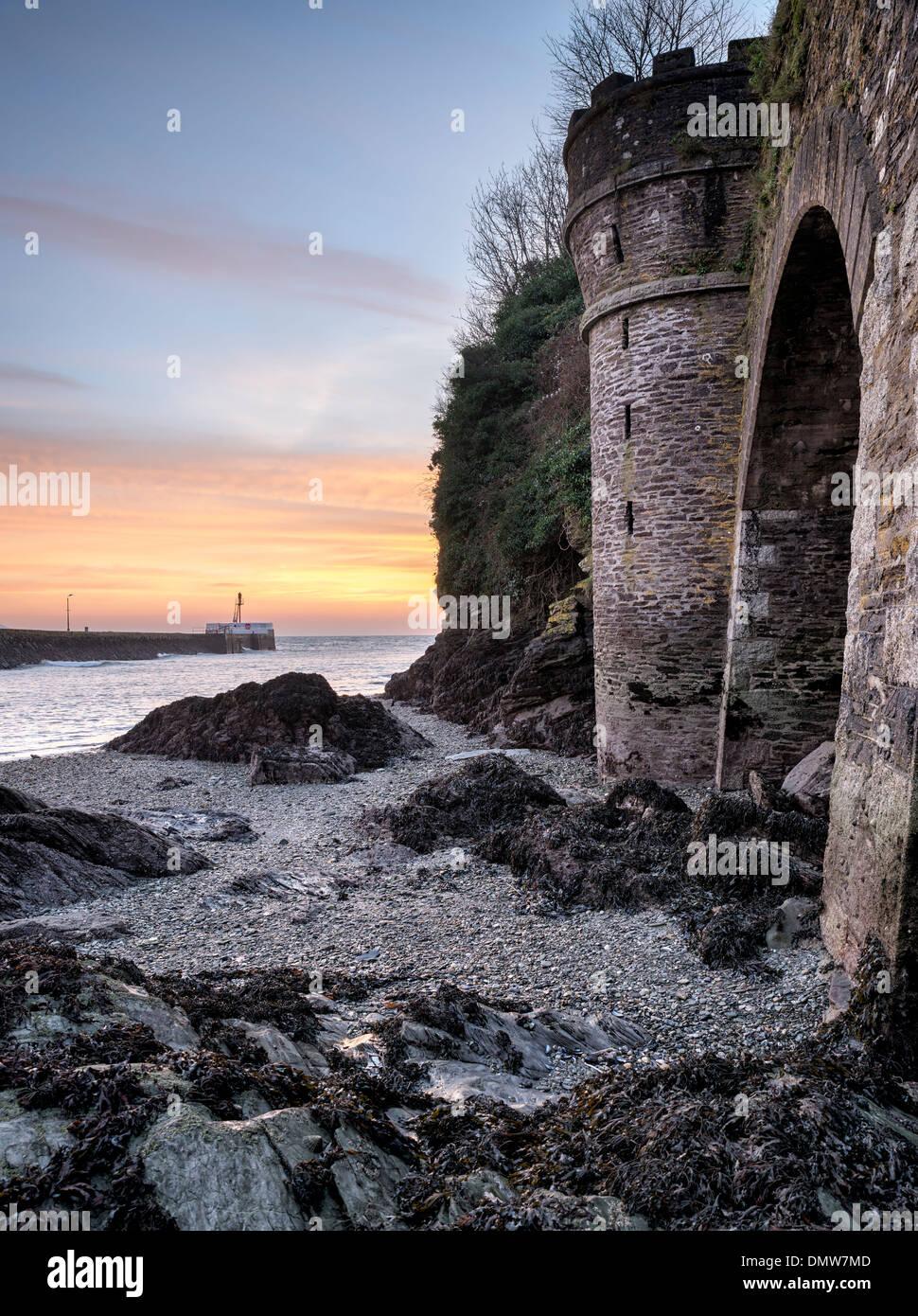 Seaside fishing village of Looe on the south coast of Cornwall - Stock Image