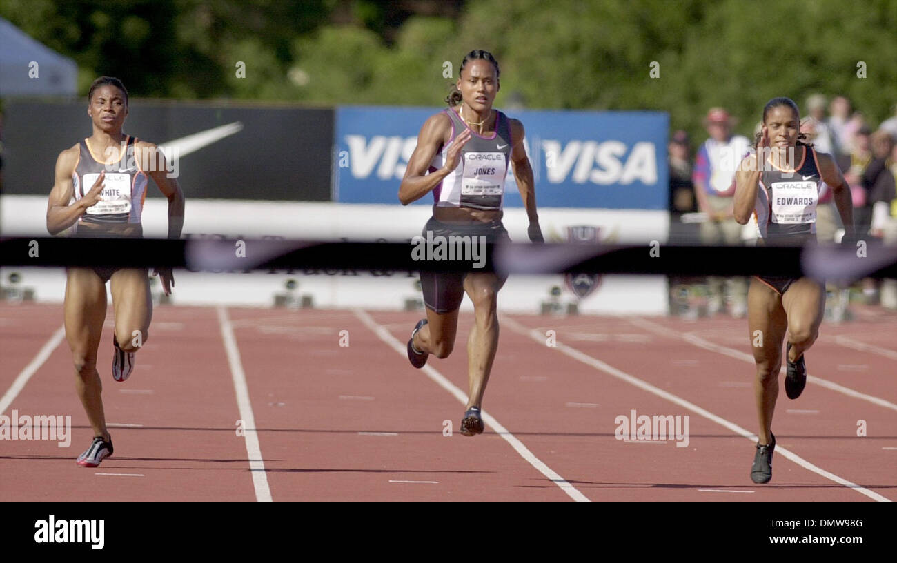 Jun 22, 2002; Stanford, CA, USA; (L-R) Kelli White, Marion Jones and Torri Edwards compete in the women's 100 meter dash races at the 2002 USA Outdoor Championships at Stanford University on Saturday, June 22, 2002 at Stanford, Calif. Marion Jones won the race with a time of 11.1 seconds. - Stock Image