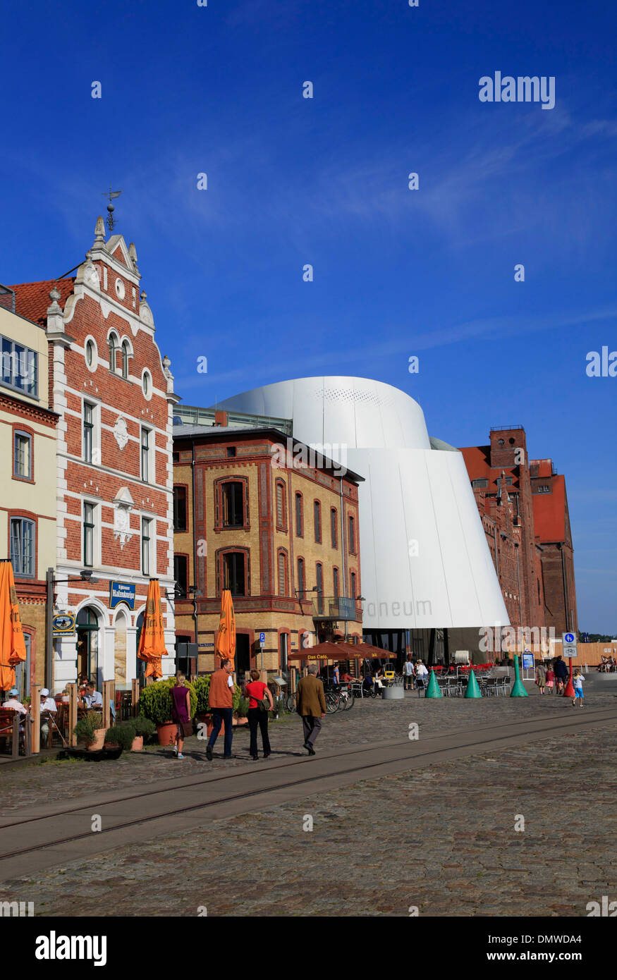 Hanseatic town Stralsund, Houses and Ozeaneum at harbour, Baltic Sea, Mecklenburg-Western Pomerania, Germany, Europe - Stock Image