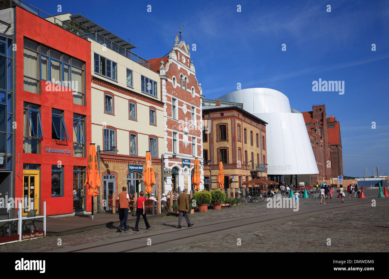 Hanseatic town Stralsund, Houses and Ozeaneum at harbour, Baltic Sea, Mecklenburg Western Pomerania, Germany, Europe - Stock Image