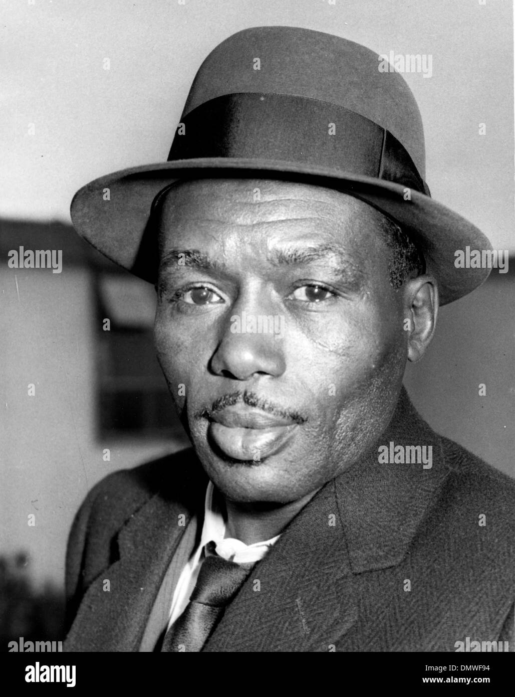 July 4, 1961 - London, England, U.K. - Boxer JOE BROWN is an African American world lightweight championWorld lightweight champion. PICTURED: Brown at the London Airport for his title contest against Dave Charnley at Earls Court. (Credit Image: © KEYSTONE Pictures USA/ZUMAPRESS.com) - Stock Image