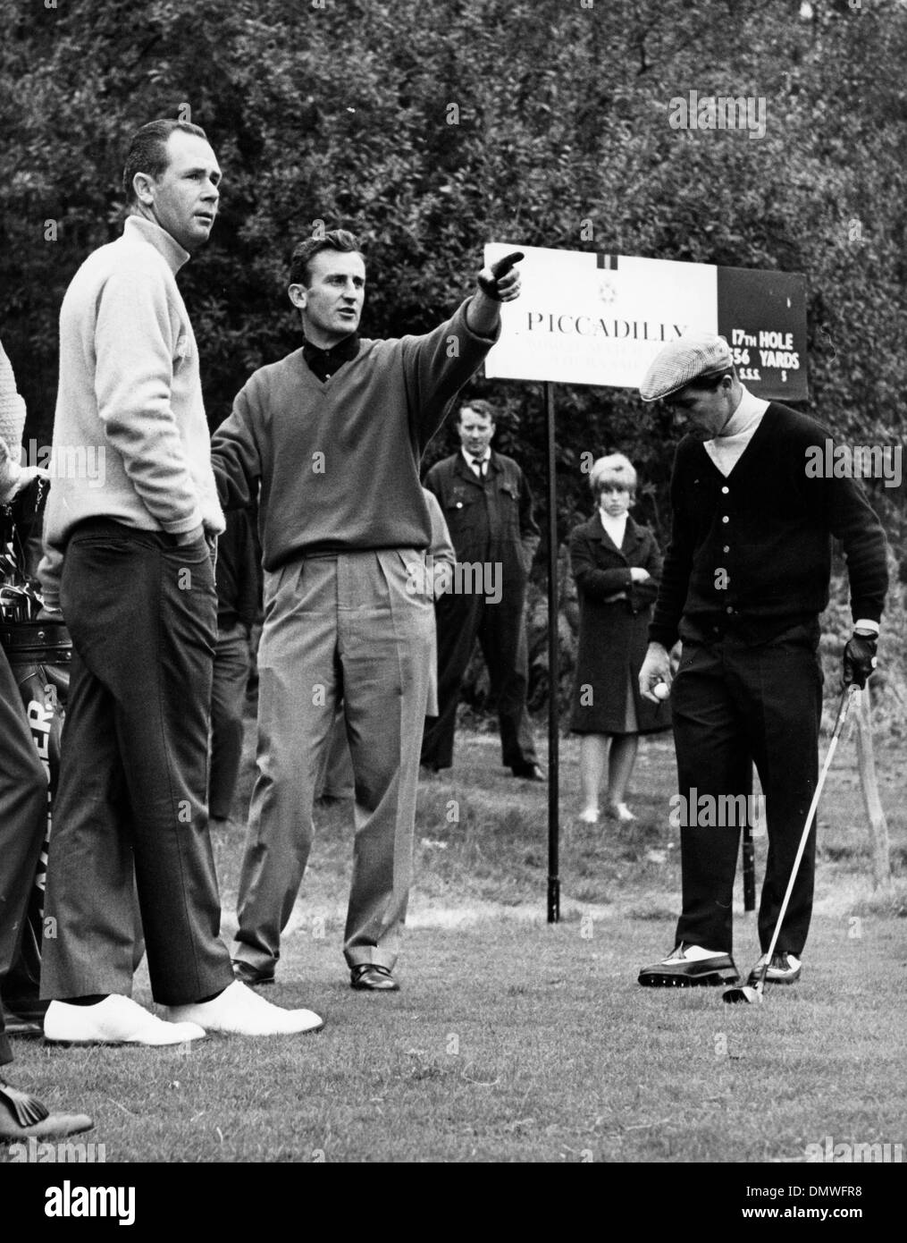 Oct. 13, 1965 - London, England, U.K. - Golfer GARY PLAYER and TED DEXTER at the Piccadilly World Match Golf Tournament at Wentworth. (Credit Image: © KEYSTONE Pictures USA/ZUMAPRESS.com) - Stock Image