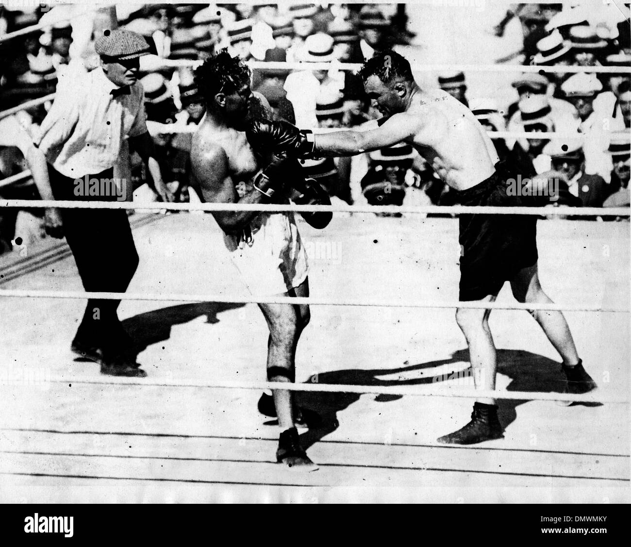 Aug. 5, 1945 - New York, NY, U.S. - JACK DEMPSEY fights (R). Jack 'Manassa Mauler' Dempsey (June 24, 1895 - May 31, 1983) was an American boxer who held the world heavyweight title from 1919 to 1926. Dempsey's aggressive style and punching power made him one of the most popular boxers in history. Many of his fights set financial and attendance records. (Credit Image: © KEYSTONE Pic - Stock Image