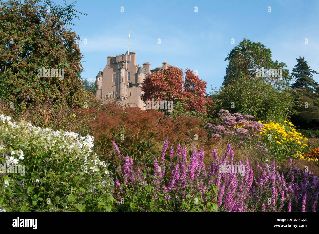 Flowers Garden Stock Photos & Flowers Garden Stock Images - Alamy