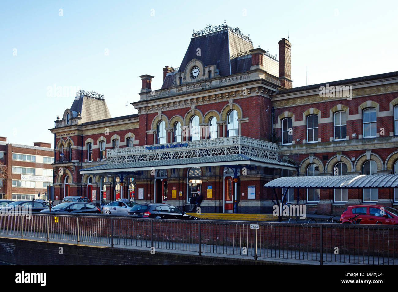 Portsmouth and Southsea railway station building - Stock Image