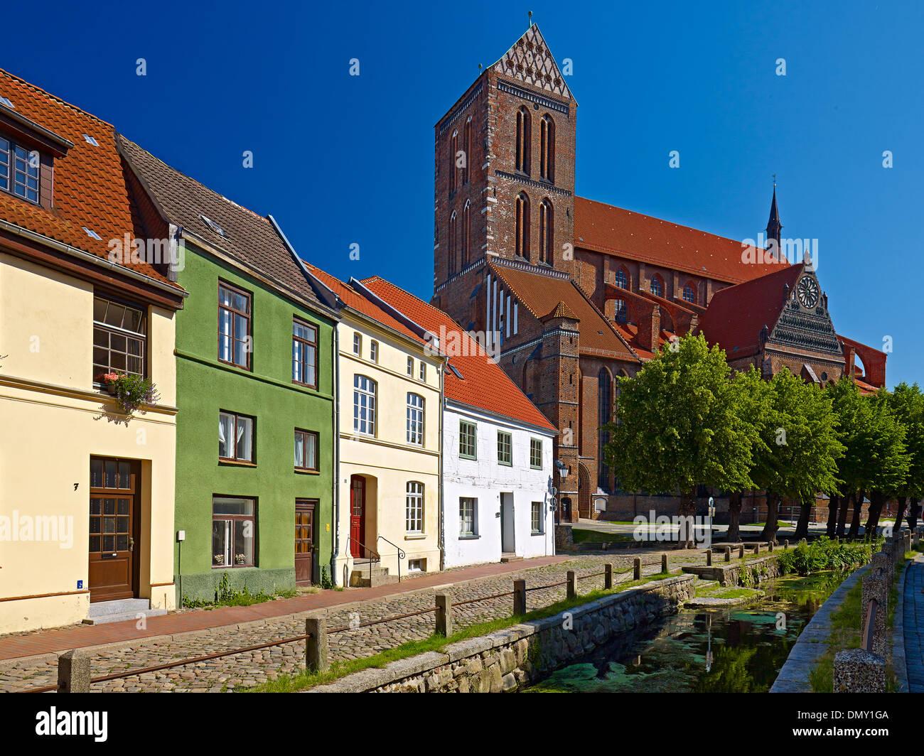 Frische Grube River with St. Nicholas Church in Wismar, Mecklenburg-Vorpommern, Germany - Stock Image
