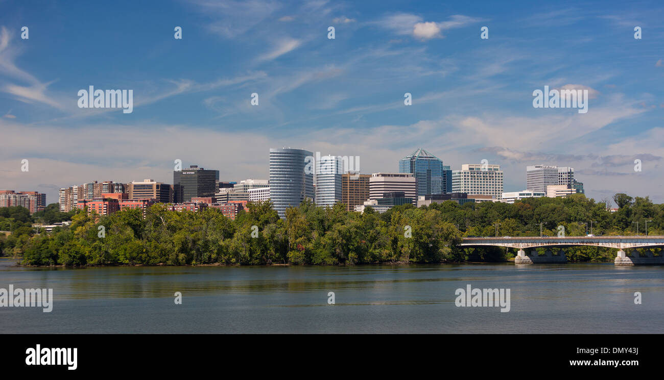 ROSSLYN, VIRGINIA, USA - Rosslyn skyline and Potomac River, Arlington County. - Stock Image