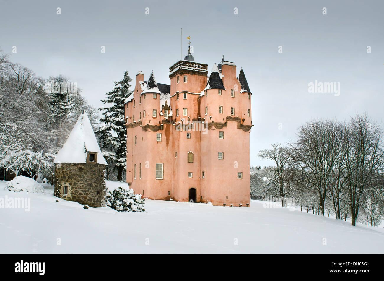 Craigievar Castle in Royal Deeside aberdeen in snowy winter - Stock Image