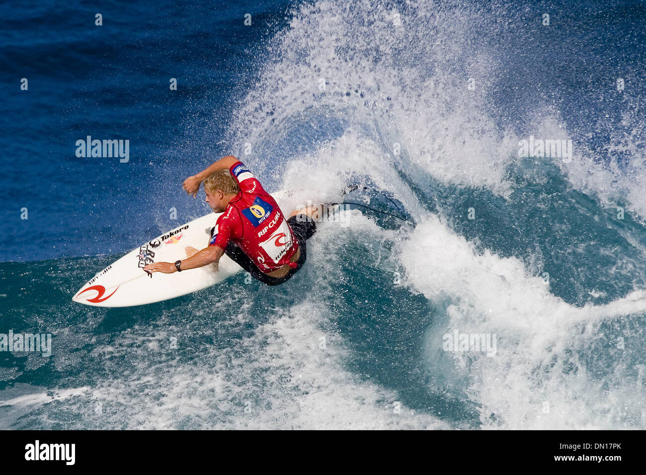 9553def86a Surfing Action Pipeline Hawaii Stock Photos   Surfing Action ...