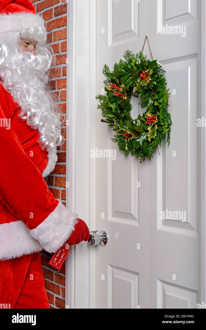 Front Door Open Christmas Stock Photos & Front Door Open Christmas ...