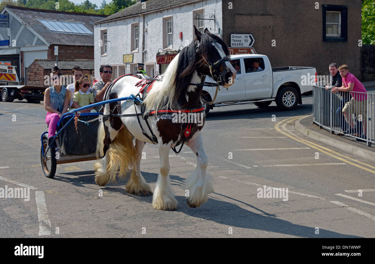 Gypsy traveller family. Appleby Horse Fair, June 2013. Appleby-in-Westmorland, Cumbria, England, United Kingdom, Europe. - Stock Image