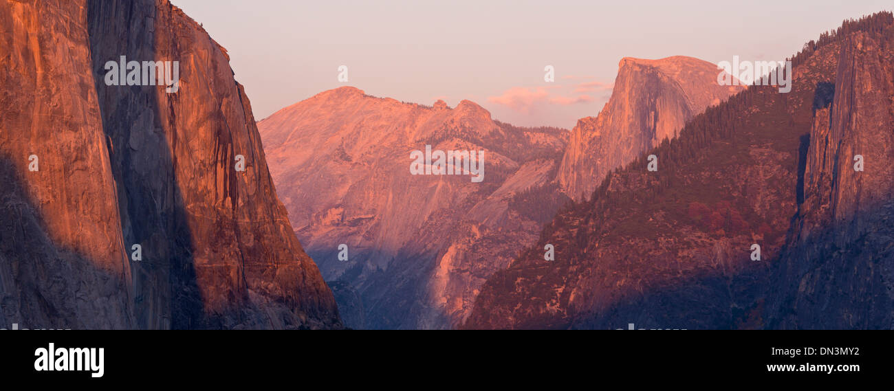 El Capitan and Half Dome at sunset, from Tunnel View, Yosemite Valley, California, USA. Autumn (October) 2013. Stock Photo