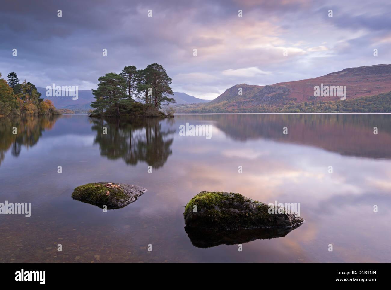 Dawn skies over Derwent Water, Lake District, Cumbria, England. Autumn (November) 2013. - Stock Image