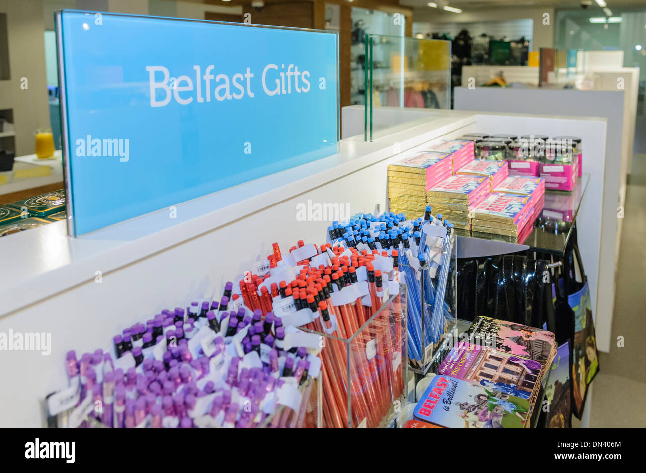 Belfast gifts in Visit Belfast tourist information centre - Stock Image