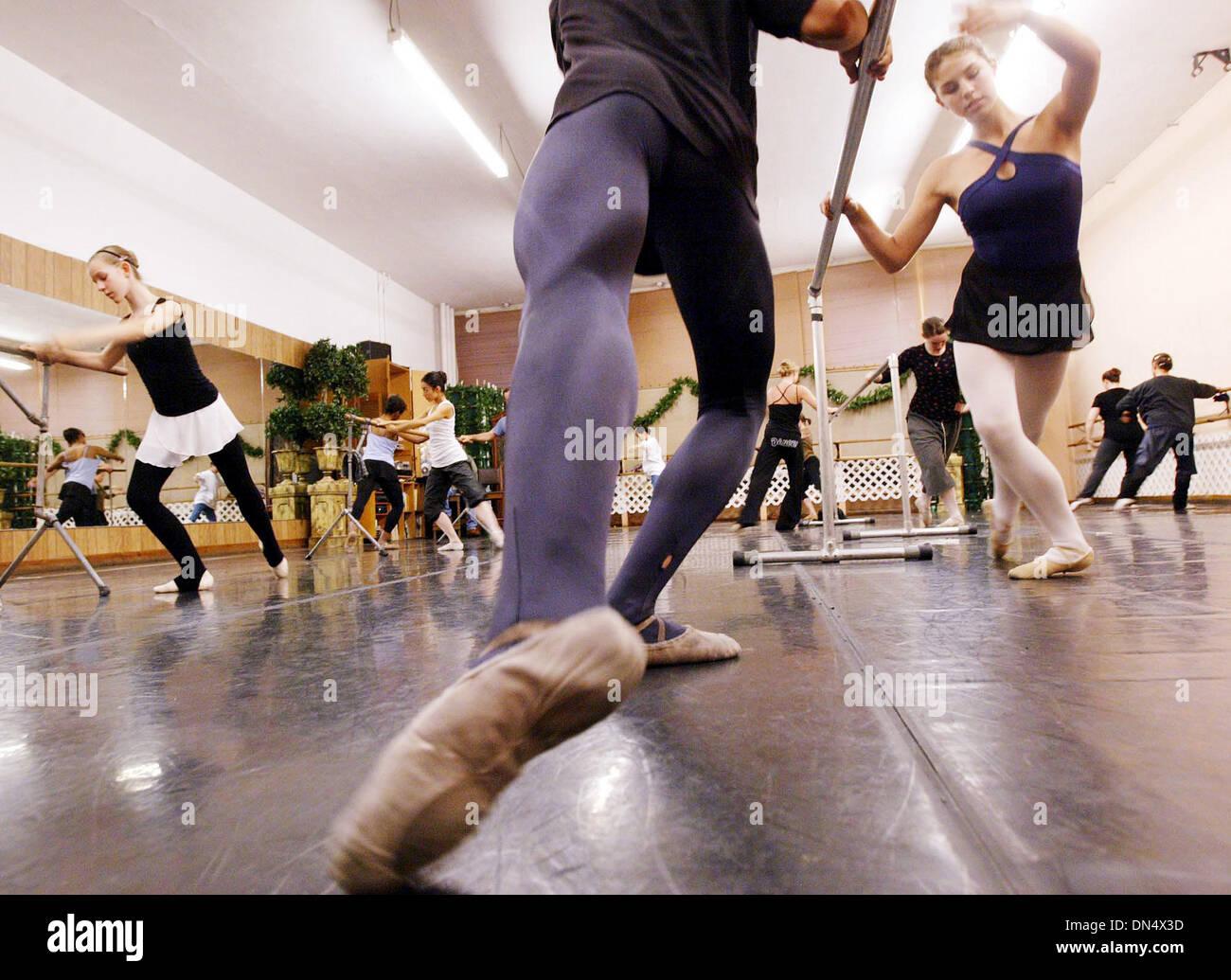 Nov 08, 2006; Hayward, CA, USA; Members of the Nutcracker Ballet rehearse at the Guidi's Ballet Studio in Oakland, Stock Photo
