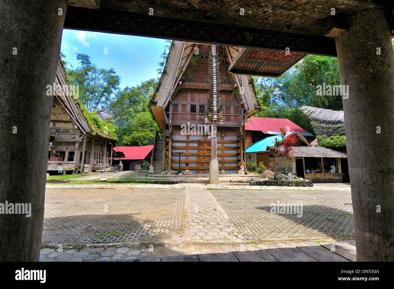 Tongkonan in frame, Londa, South Sulawesi - Stock Image