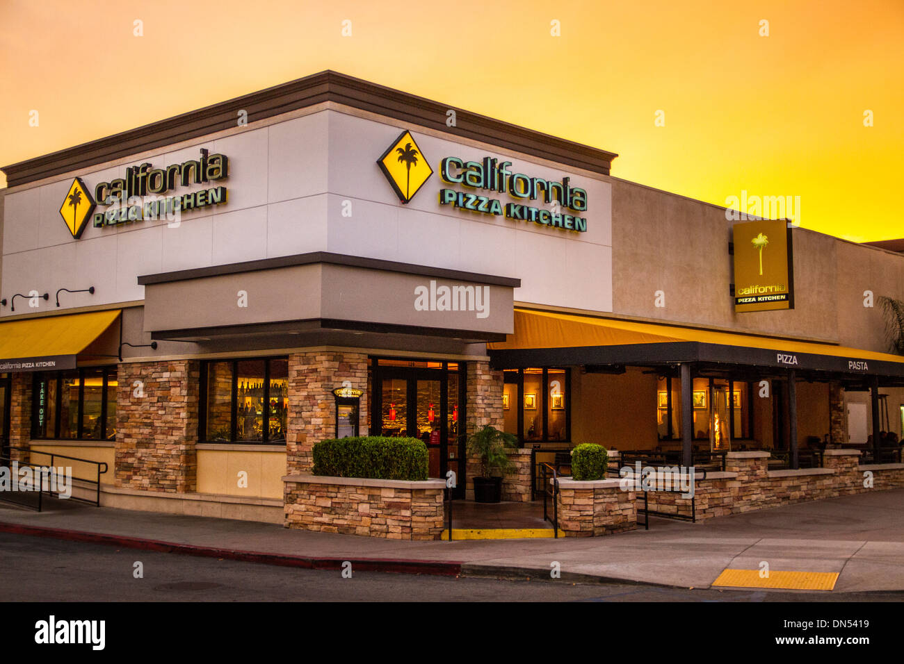 Dorable California Pizza Kitchen Temecula Cresta - Como Decorar la ...