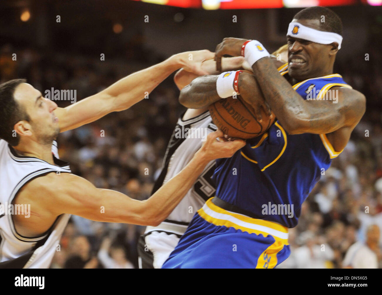 a338f9812 San Antonio Spurs Manu Ginobili and Golden State Warriors Stephen Jackson  fight for the ball in