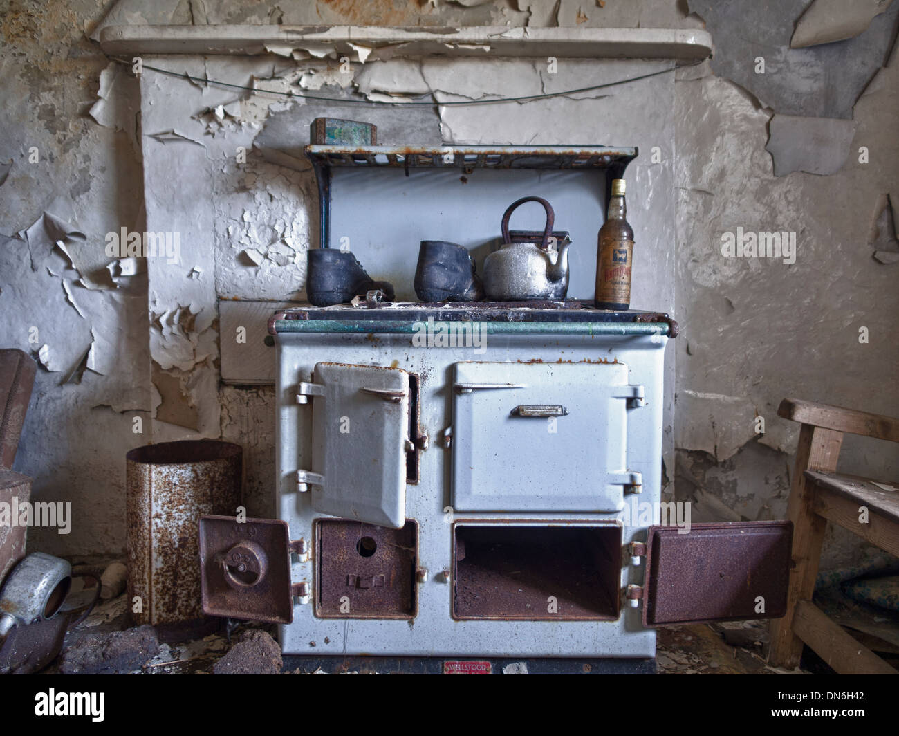 Old Blue Rayburn, South Uist, Scotland - Stock Image