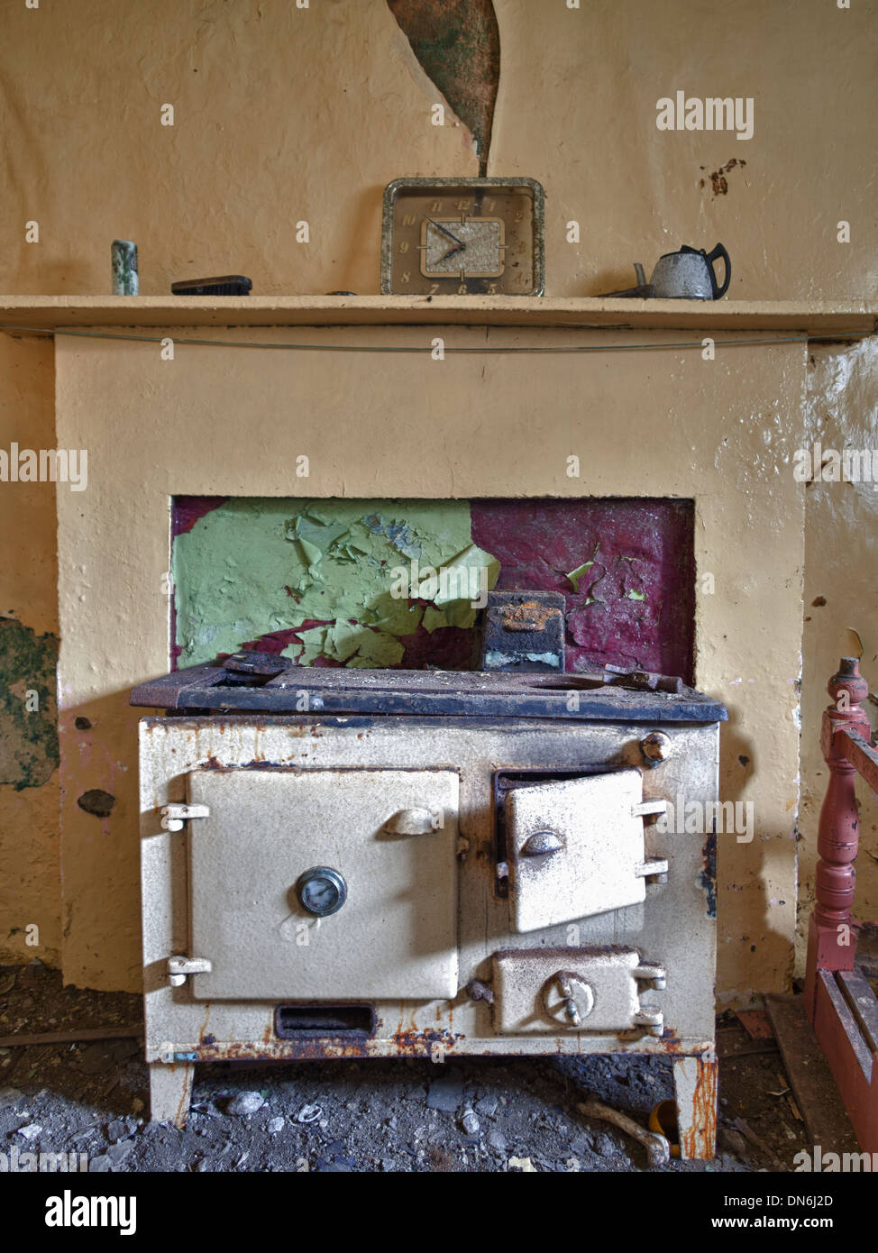 Rayburn in Abandoned Croft House, South Uist - Stock Image