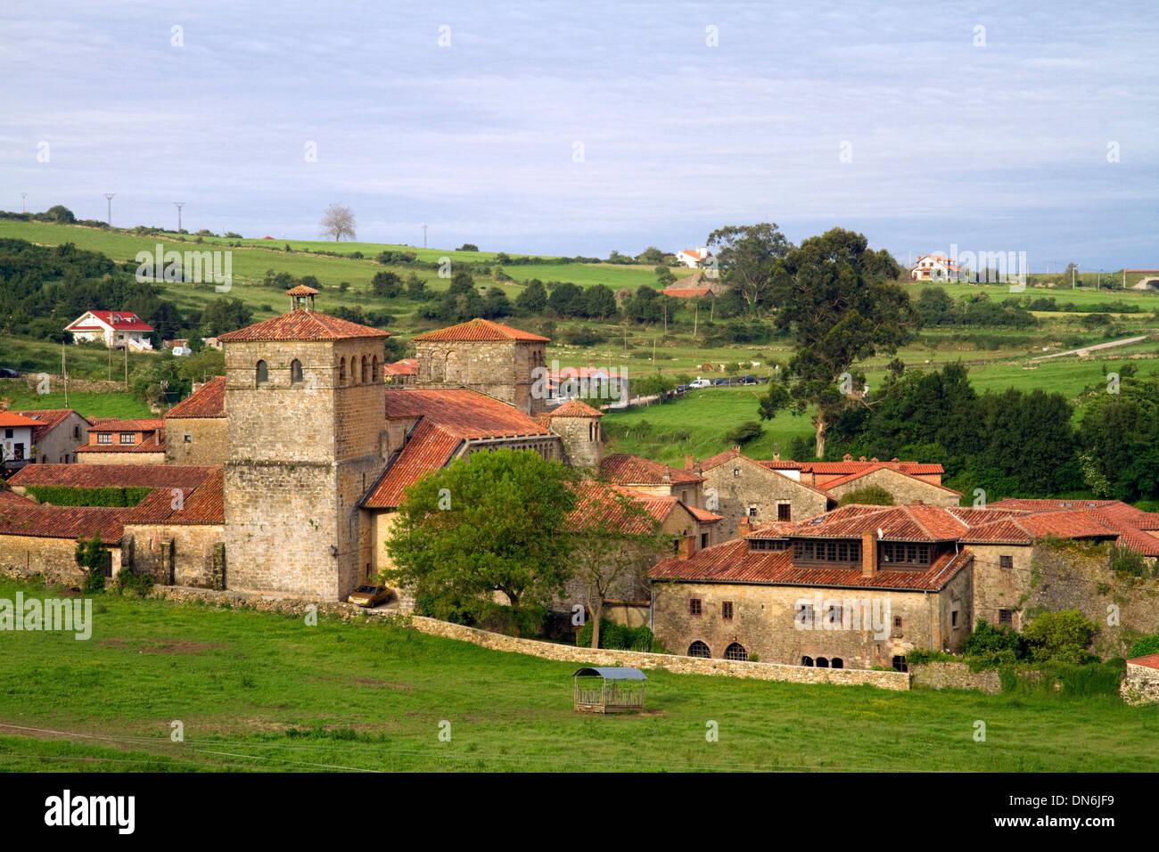 Church of the Colegiata at Santillana del Mar, Cantabria, Spain. - Stock Image