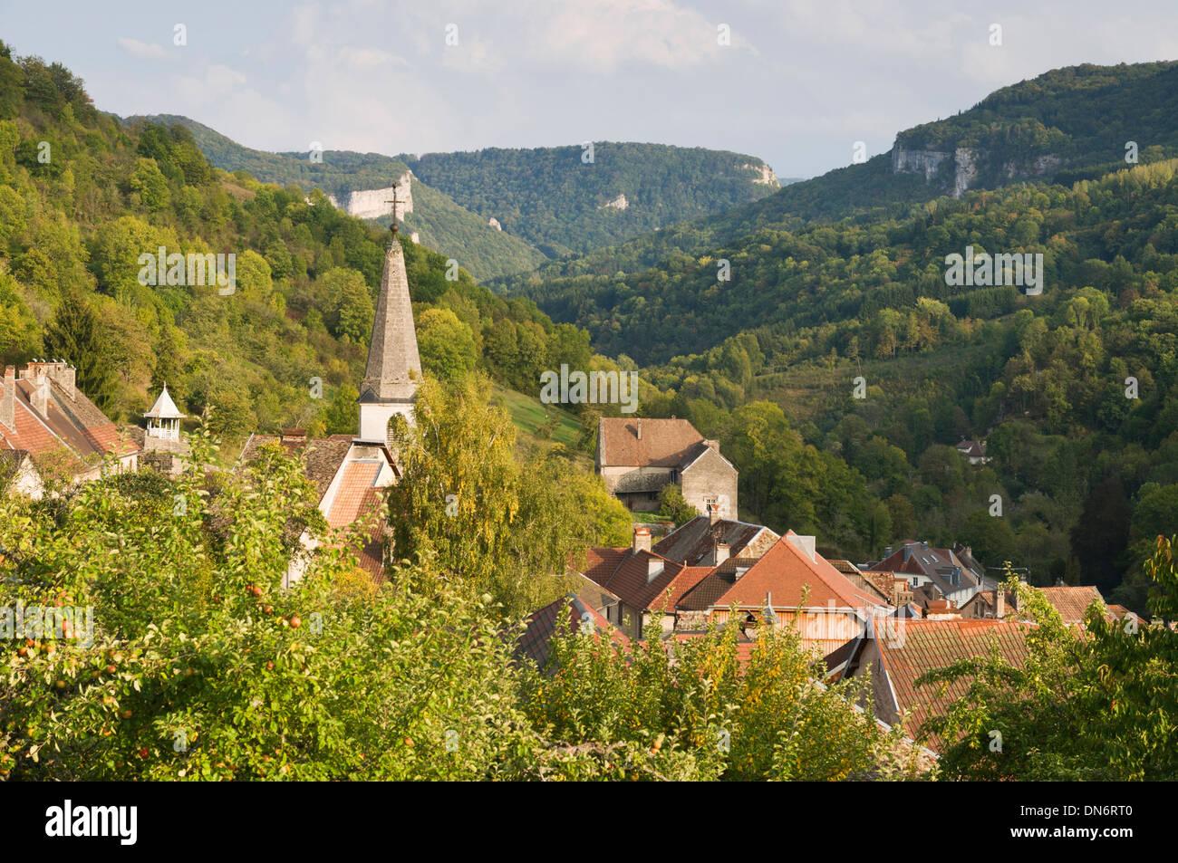 Elk213-3000 France, Alsace, Route des Cretes, hillside village - Stock Image