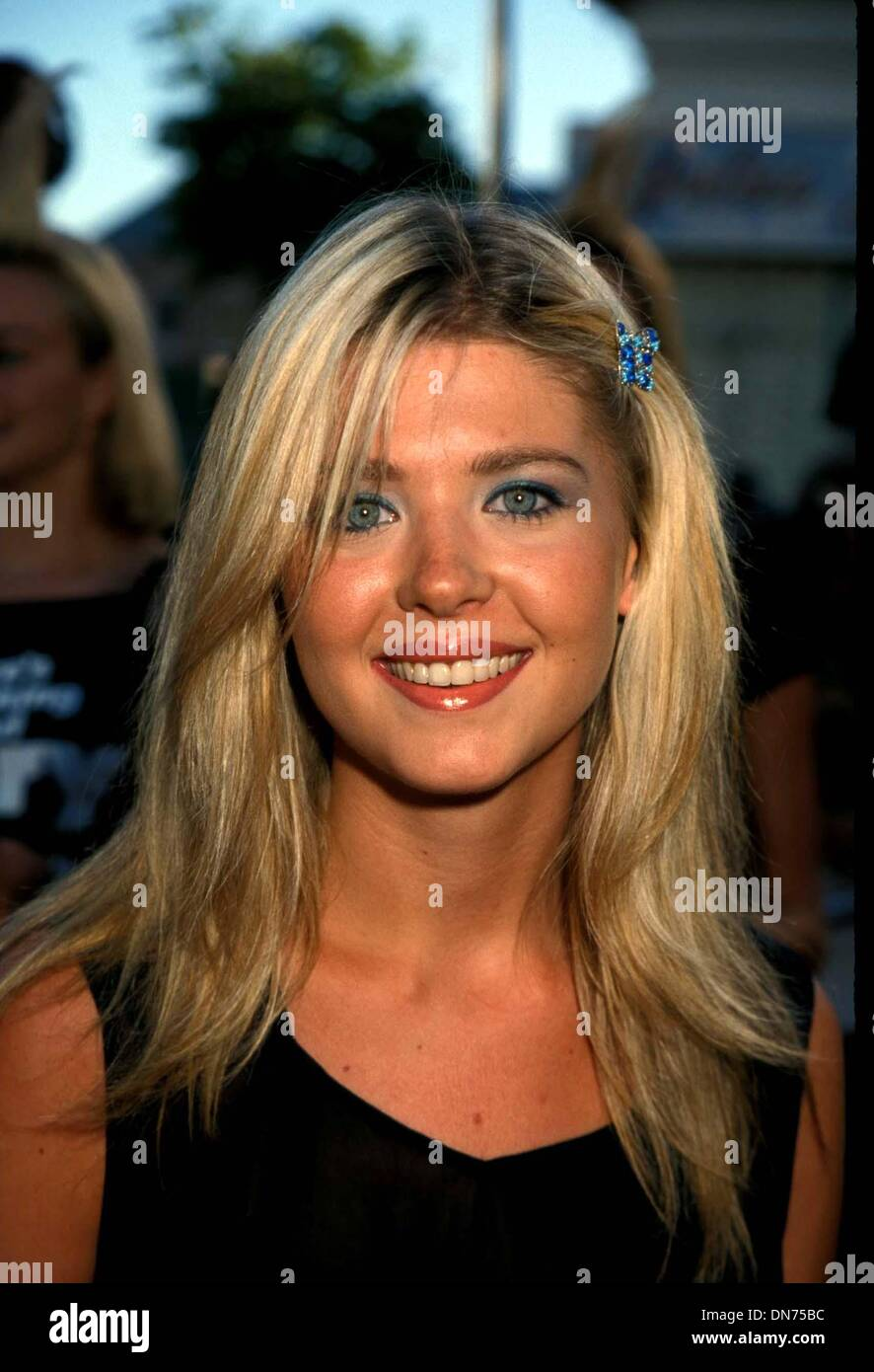 July 9, 1998 - I2450TA.TARA REID.THERE'S SOMETHING ABOUT MARY PREMIERE AT THE MANN'S VILLAGE THEATRE 07-09-1998. TAMMIE ARROYO- -  PHOTOS(Credit Image: © Globe Photos/ZUMAPRESS.com) - Stock Image