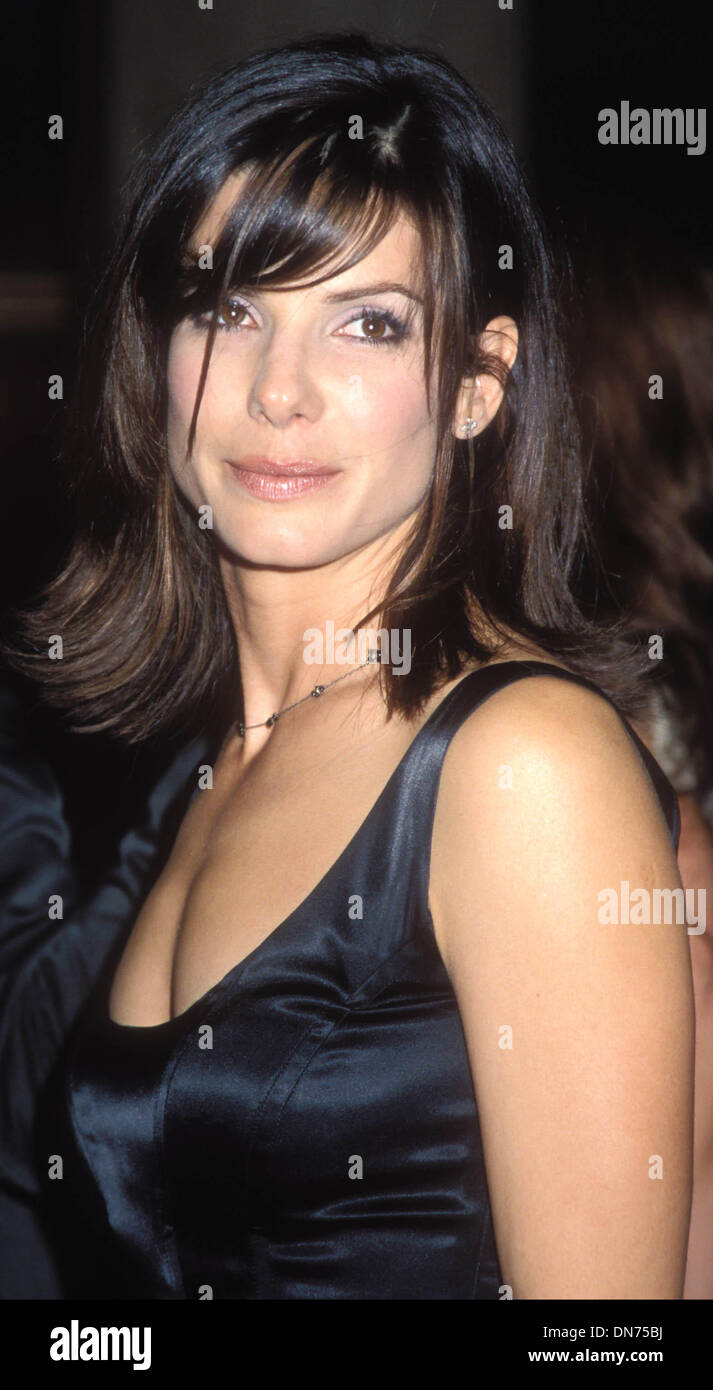 Oct. 13, 1998 - I2677TA.PRACTICAL MAGIC AT CINEPLEX ODEON THEATRE CENTURY CITY 10-13-1998.SANDRA BULLOCK. TAMMIE ARROYO- -  PHOTOS(Credit Image: © Globe Photos/ZUMAPRESS.com) - Stock Image