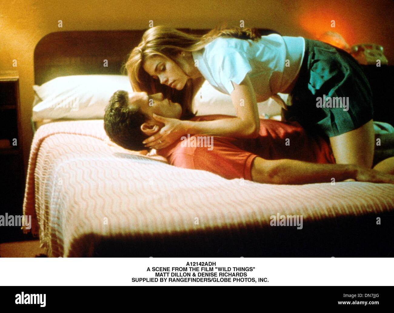 June 22, 2001 - A12142ADH.A SCENE FROM THE FILM ''WILD THINGS''.MATT DILLON & DENISE RICHARDS.SUPPLIED BY (Credit Image: © Globe Photos/ZUMAPRESS.com) - Stock Image