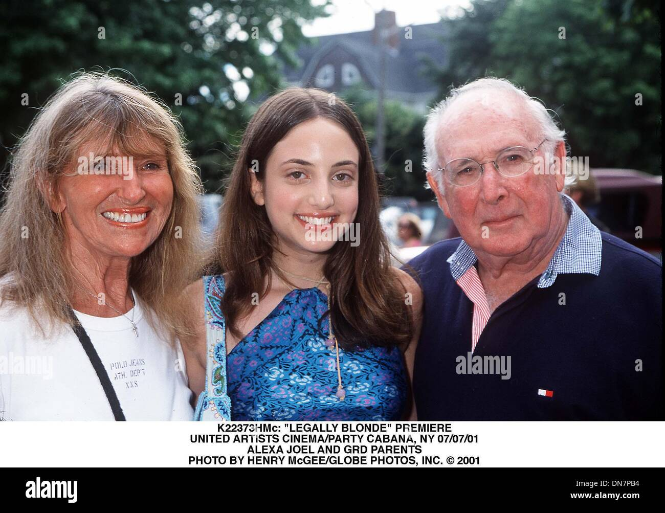 July 7, 2001 - K22373HMc: ''LEGALLY BLONDE'' PREMIERE.UNITED ARTISTS CINEMA/PARTY CABANA, NY 07/07/01.ALEXA JOEL AND GRD PARENTS. HENRY McGEE/   2001(Credit Image: © Globe Photos/ZUMAPRESS.com) - Stock Image