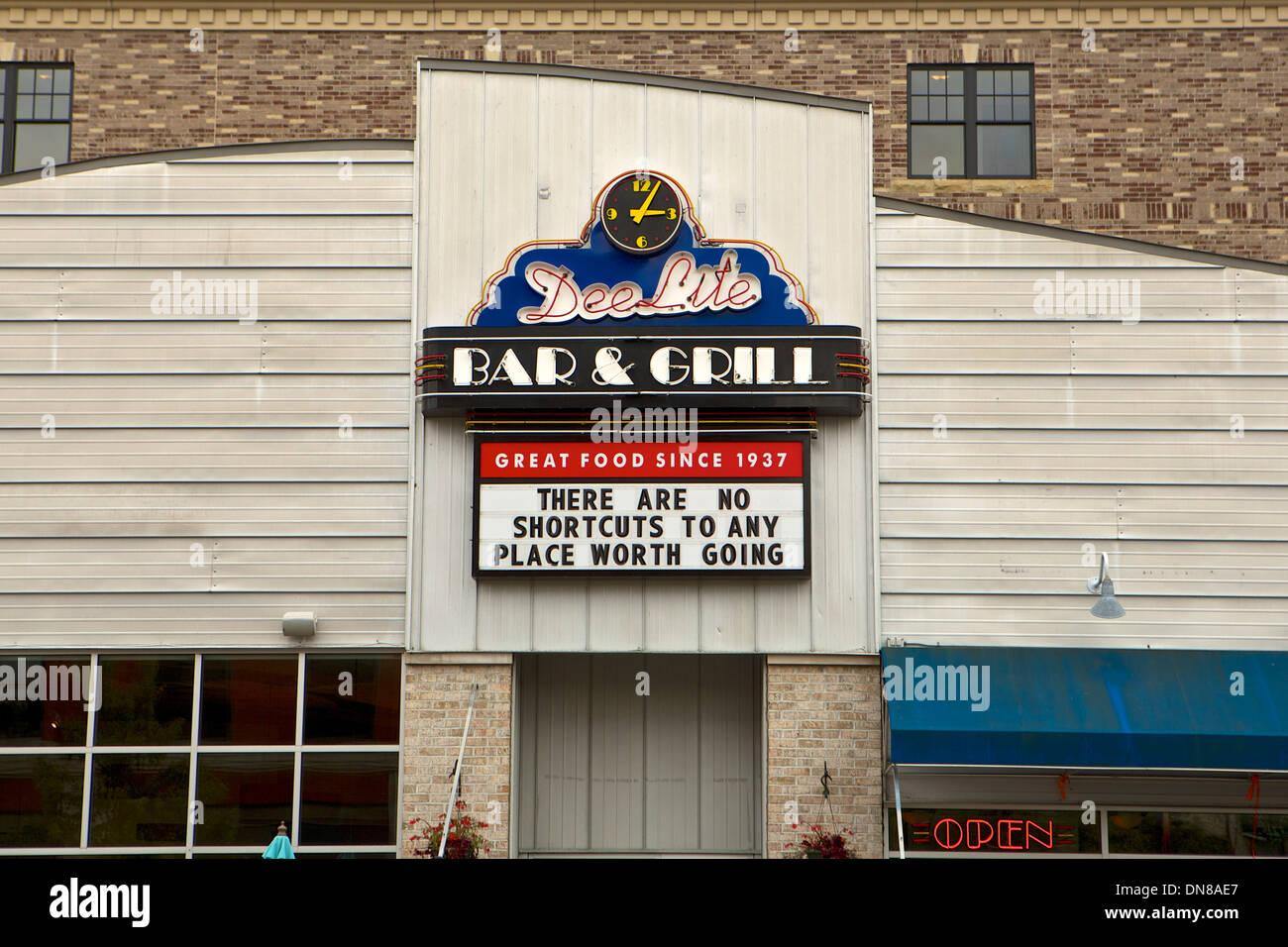 Dee Lite Bar & Grill in Grand Haven, Michigan - Stock Image