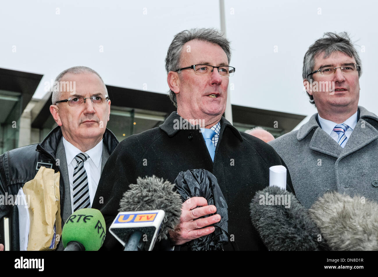 Belfast, Northern Ireland. 20 Dec 2013 - The UUP delegation led by Mike Nesbitt  emerges from the Haass talks over Stock Photo