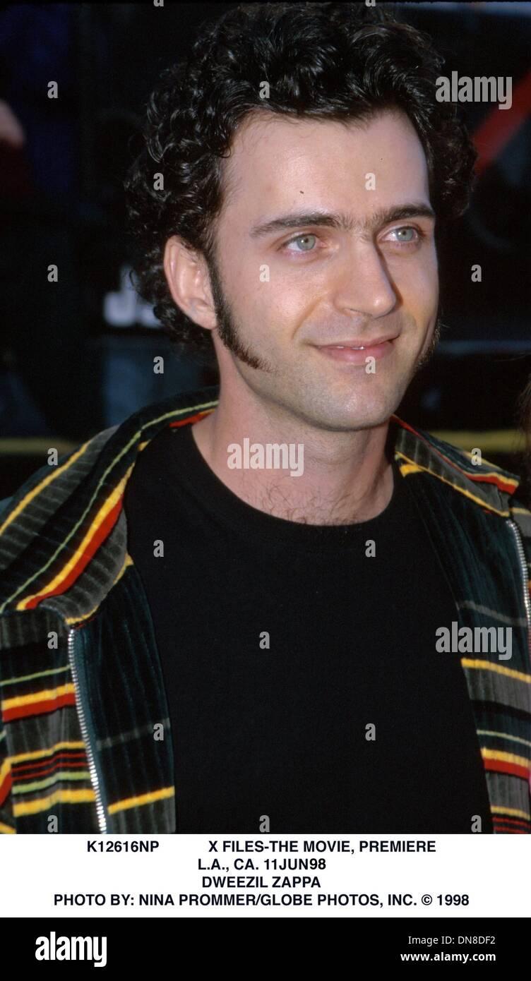 June 11, 1998 - K12616NP            X FILES-THE MOVIE, PREMIERE.L.A., CA. 11JUN98.DWEEZIL ZAPPA. NINA PROMMER/   1998(Credit Image: © Globe Photos/ZUMAPRESS.com) - Stock Image