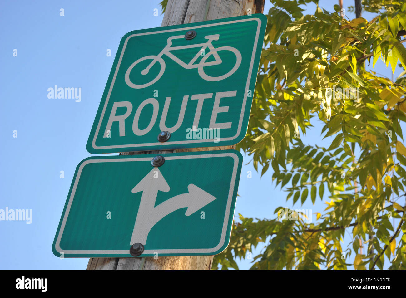 Canadian Road Signs For Motorists And Cyclists Stock Photo Alamy