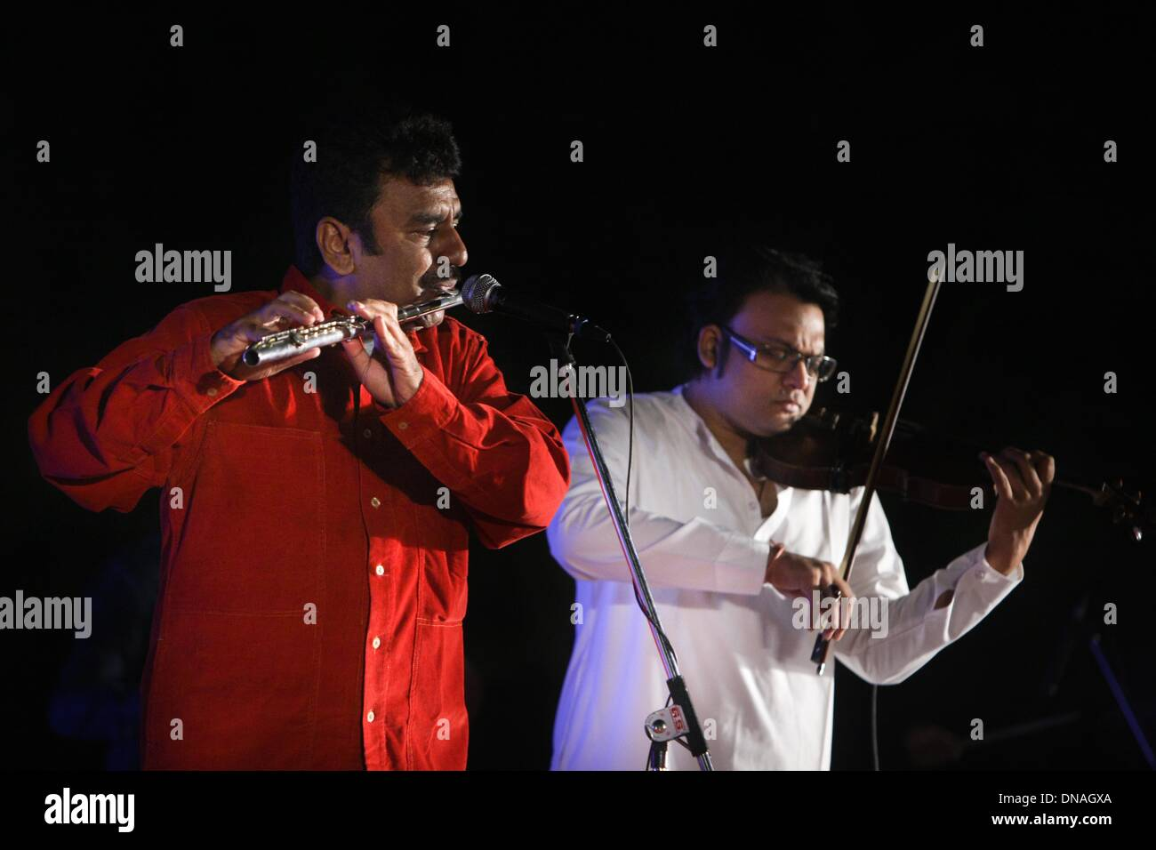 Pune  21st Dec, 2013  Indian flute musician Sunneel Varma (L